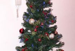 Árvore Natal +/- 1.50 com maças, com iluminação