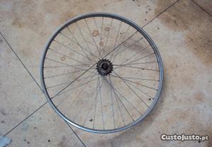 tenho a roda de traz da bicicleta melfeira