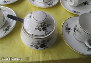 Serviço de chá antigo em loiça de sacavém