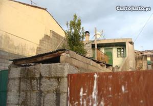 Casa para restauro - Vila Verde da Raia