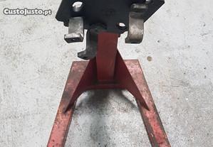 Cavalete para montagem de motores