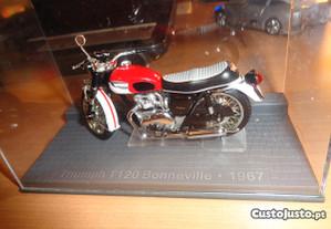 Miniatura Mota Triumph T120 Bonneville.1967