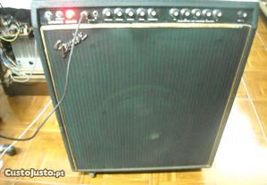 Amplificador de Guitarra Fender Studio Bass