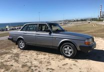 Volvo 240 GL injection - 87