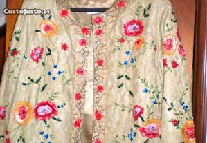 Casaco bordado de cerimónia