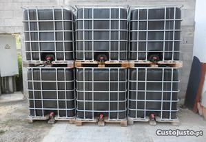 Depósitos para água de 1000 litros