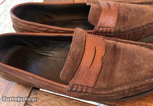 Sapato em camurça, tamanho 39