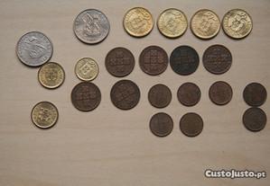 22 Moedas 5$00 / 1$00 Escudos e XX / 20 Centavos