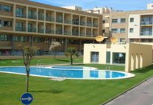 Alojamento condomínio fechado com piscina e praia