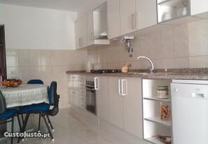 Montagem de cozinhas e outros móveis