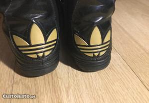Botas Tennis Adidas, pretas e douradas, n.38