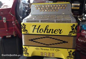 Concertina Hohner ,das muitas bonitas que temos