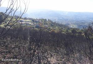 Terreno de Monte com vista deslumbrante p/ Serras