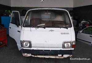 Toyota HiAce 2.2 para peças - 89