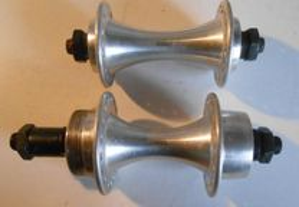 Par de cubos de rodas em alumínio