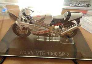 Mota Miniatura Honda VTR 1000 SP-2