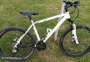 Bicicleta BTT Decathlon B Twin Rockrider 8.2