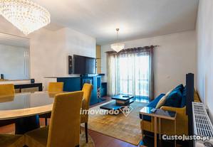 Apartamento T2, totalmente mobilado, em Paredes