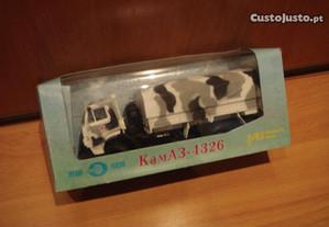Camiao antigo Kamaz Russo com caixa original