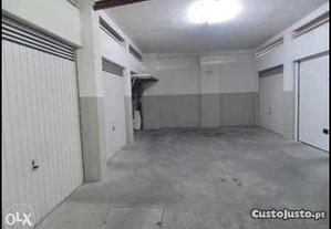 Garagem fechada (box) fafe