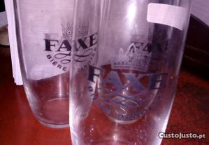 Três copos