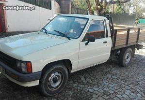 temos motor toyota hilux 2.4 do ano 89 em Braga