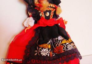 Boneca antiga - anos 60 - deve ser Alemã.