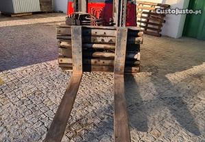 Empilhador Industrial 4 toneladas