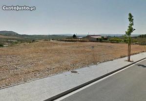 Terreno Urb.c/ 3000 m2, 4 lotes em Castelo Branco