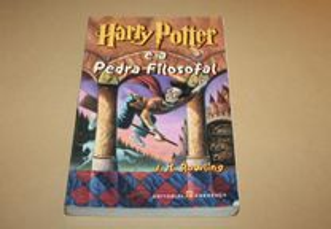 Harry Potter e a Pedra Filosofal de J.K.Rowling