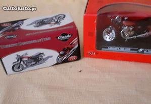 Par de motas 1/24 miniaturas