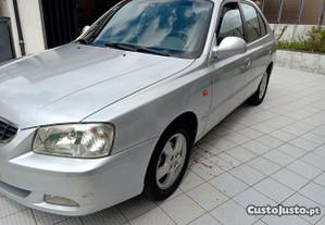 Hyundai Accent 1.5 crdi - 02