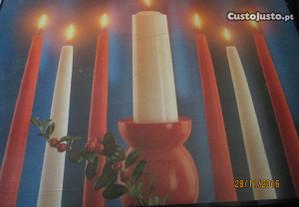 Caixa com velas de cera p/Natal (imcompleta)