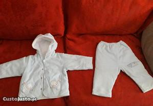 Conjunto casaco mais calças azul bebé 12 meses