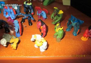Colecção de 50 bonecos Gormiti