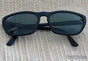 Óculos Arnette pretos