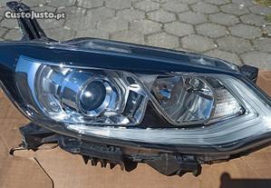 Farol Nissan Pulsar