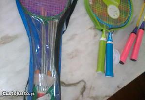 Raquetes e Acessórios de Badminton