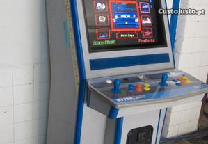 Máquina com 412 jogos originais