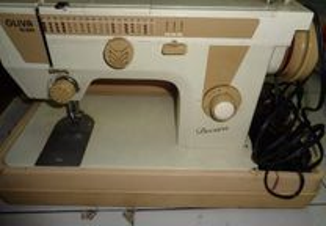 Máquina Costura OLIVA