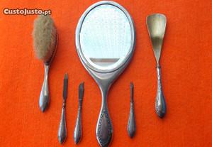 Conjunto de Toucador em Prata,Espelho, Escova