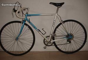 Bicicleta estrada taga