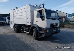 Camião MAN com Sistema de Lavagem para Contentores