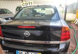 Opel Vectra 2200CDTDI - 02