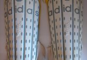 Caneleiras Adidas, Excelente Estado