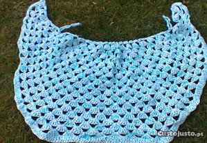 Capa em lã - artesanal
