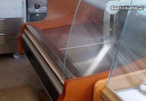 vitrine fria de pastelaria