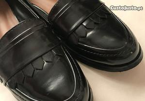 Sapatos estilo masculino