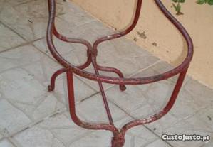 Base em ferro fundido p/ bidé- Modelo muito antigo