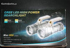 Lanterna de leds com 800 lumens
